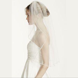 ⭐️David's Bridal Ivory Wedding Veil⭐️